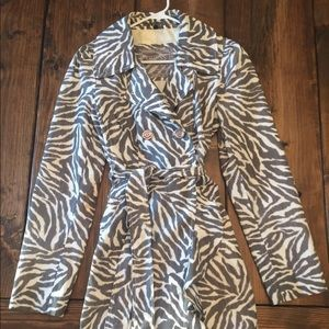 GUESS Grey & White Zebra Print Rain Coat